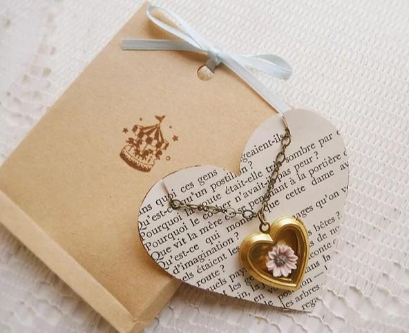 如何保证珠宝包装设计的设计质量